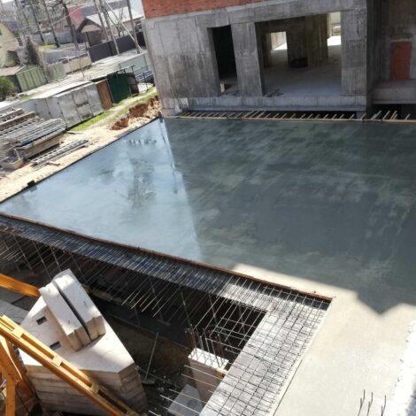 Виконуємо бетонування підземного паркінгу